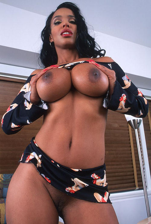 sexy-black-chicks-with-huge-tits