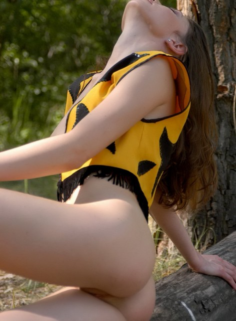 busty jewish woman nude
