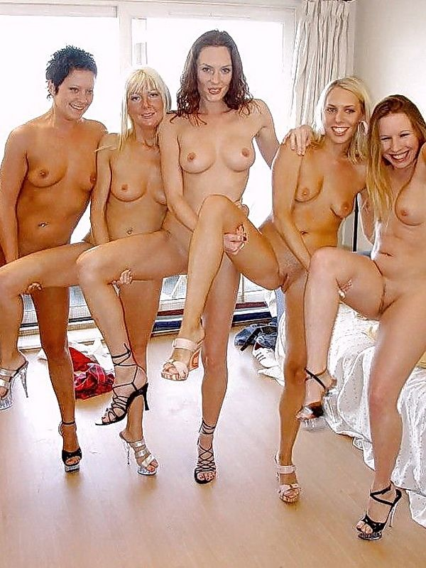group girls naked