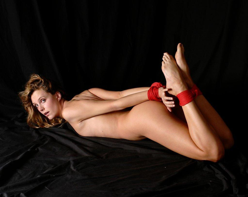 sporty young blond gets fucked in the fields