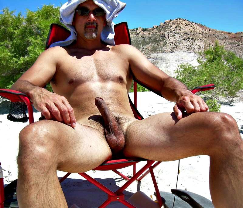 Нудистский пляж гей фото