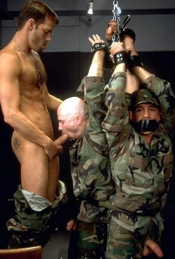 гей фото военых