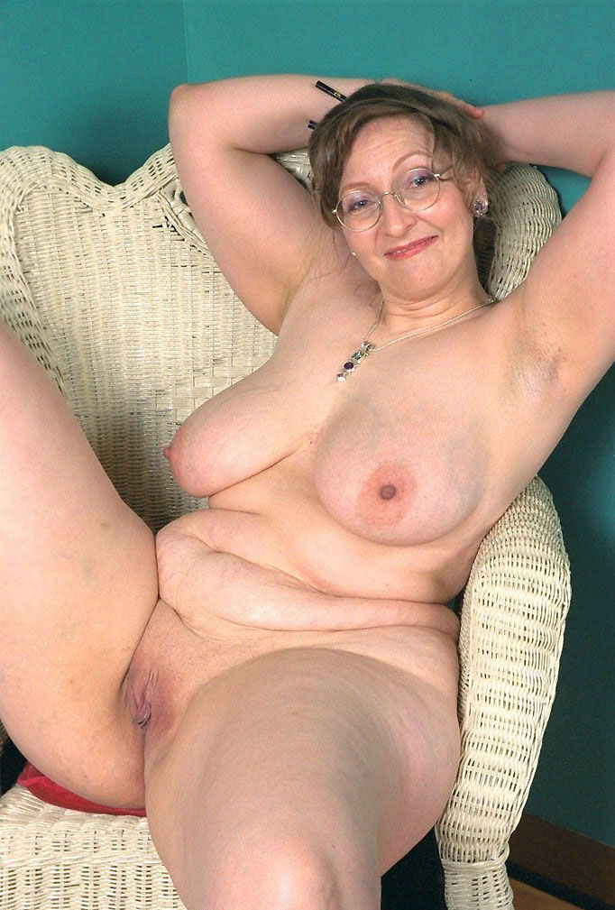 Pissing girls pic