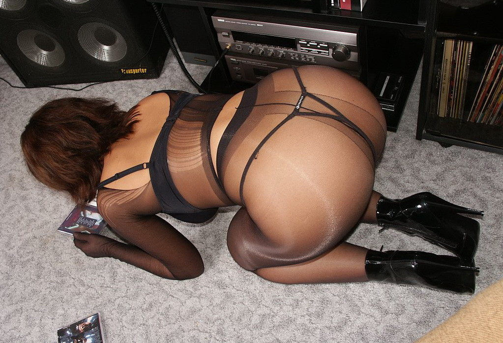 pantyhose ass