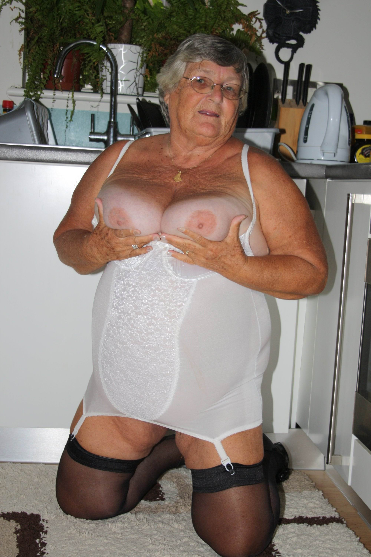 Old granny big pussy