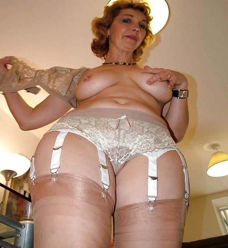 Порно granny в панталонах