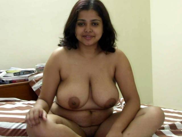 busty curvy lalin gal girlfriend sucking boyfriends dick