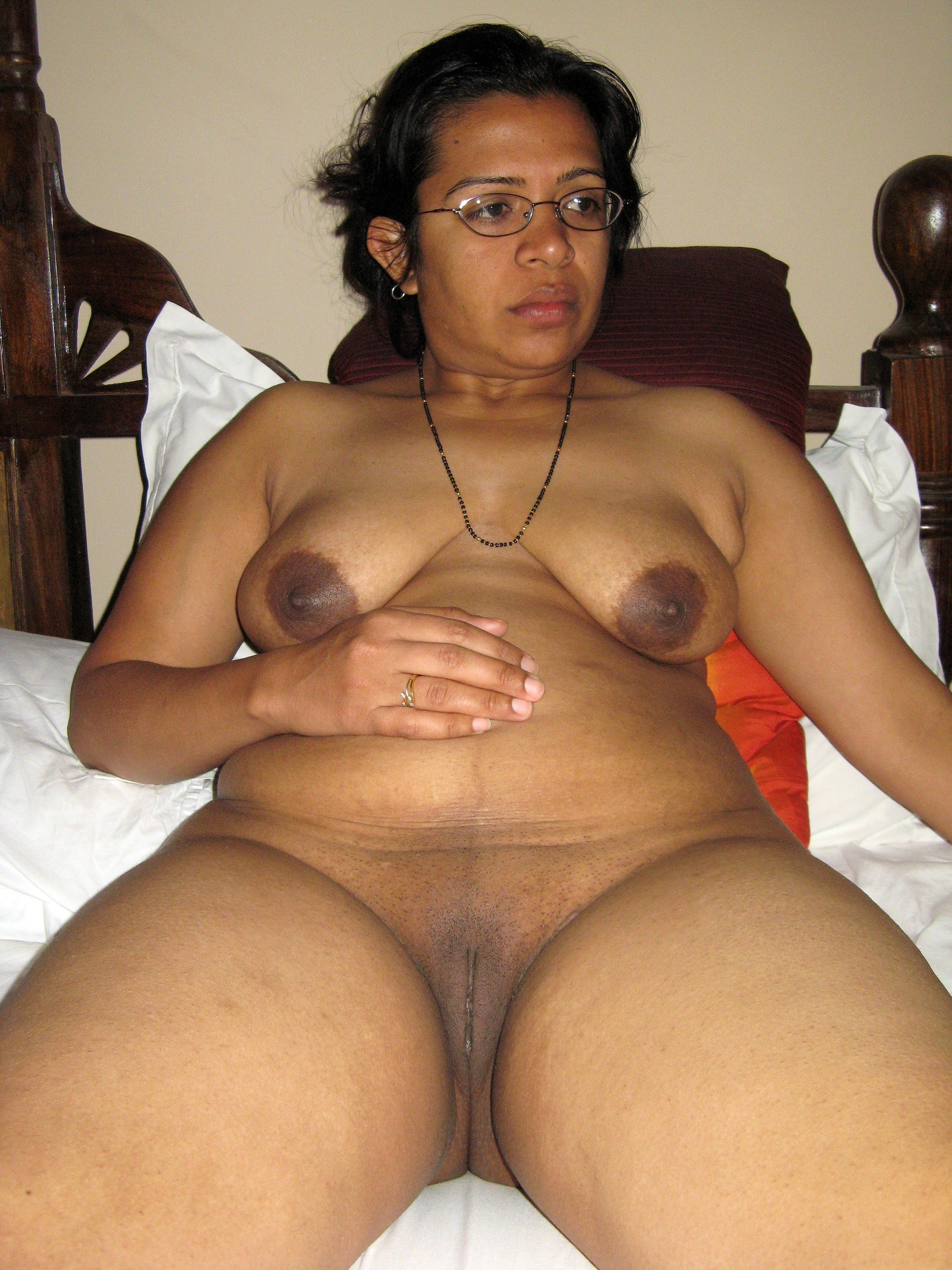 Pakistani sex photo blogUnseenMMScom  Pakistani desi