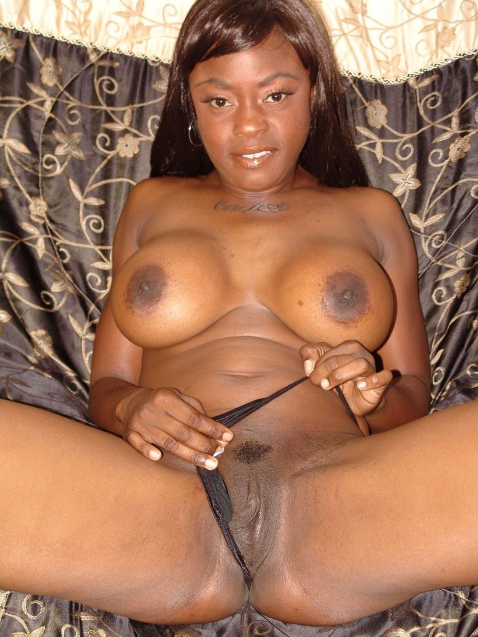 Amazing chocolate babe sexy bodyboobsexpert blowjob 6