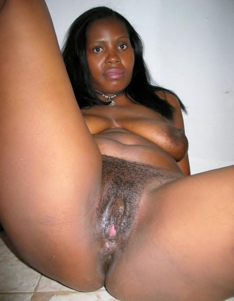 black mom nue
