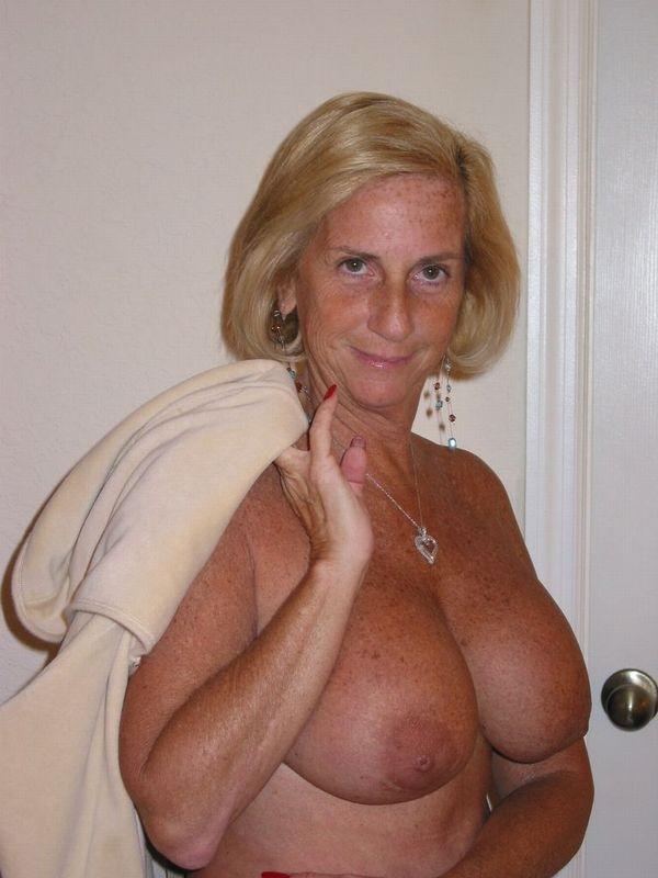 knulla i köping naken semester