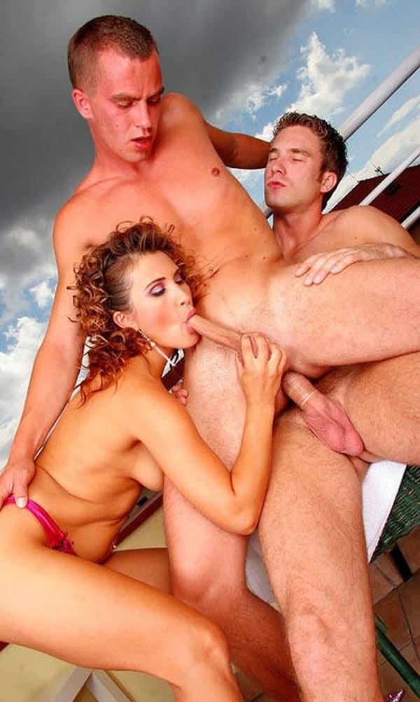 Групповуха бисексуалов фото