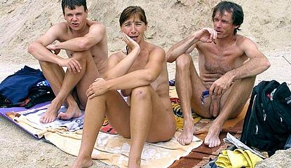 hude labia on nude beach