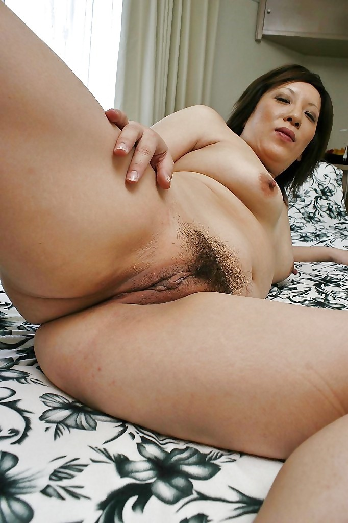 Horny latina babe playing with dildo