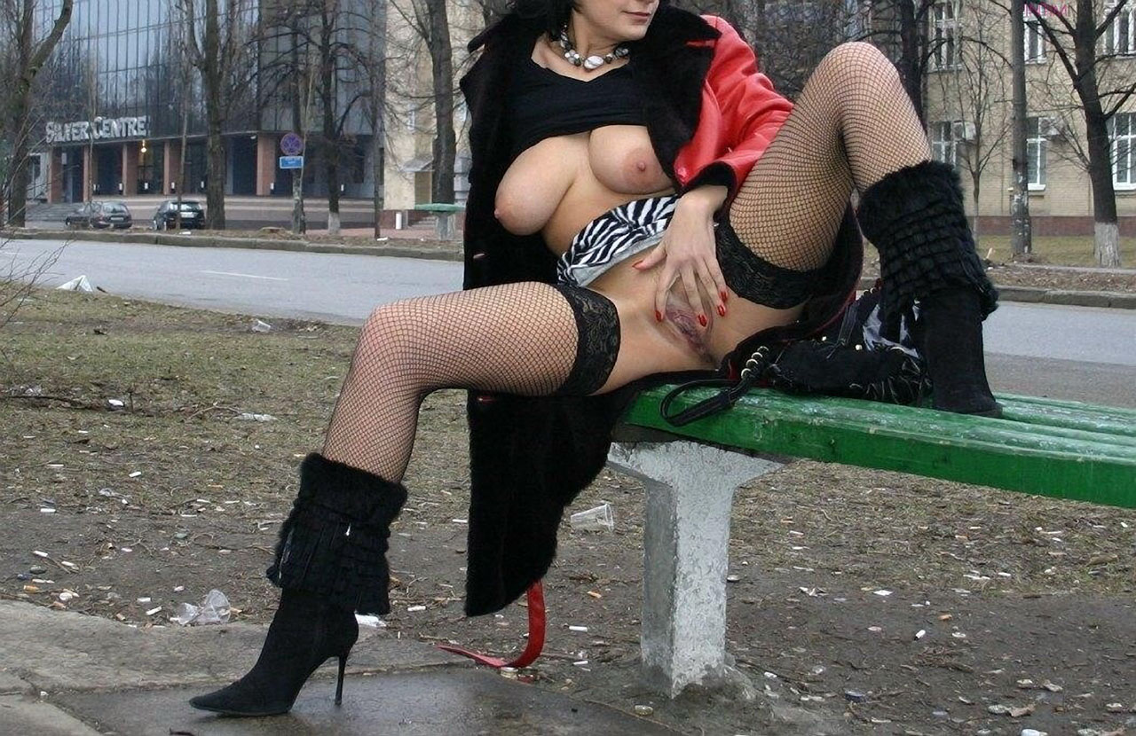 Раздвинутые ноги женщины фото 6 фотография