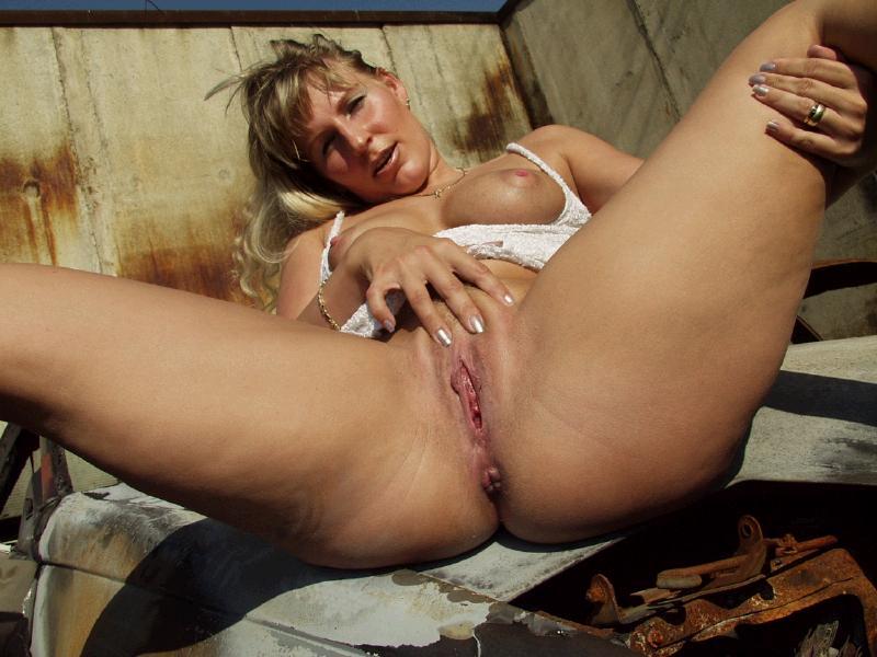 girls one piece nudes
