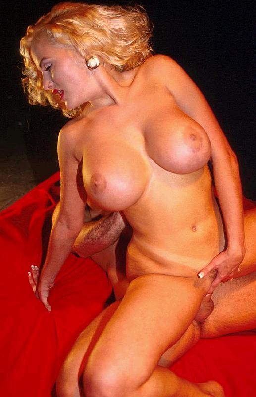 unique sexy nude girls