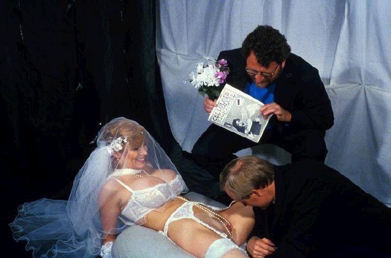 nevesti-sosut-na-svadbah