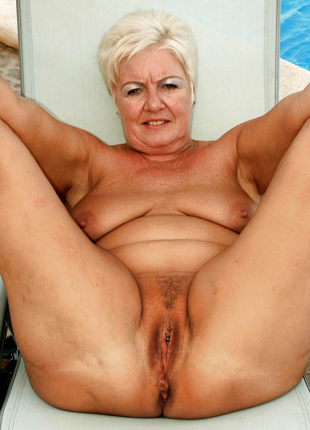 Pic porn centauren naked download