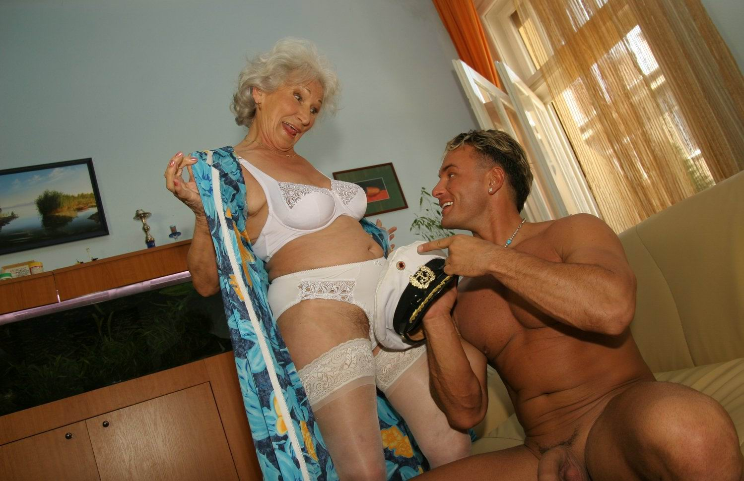 Порно сладкая бабушка