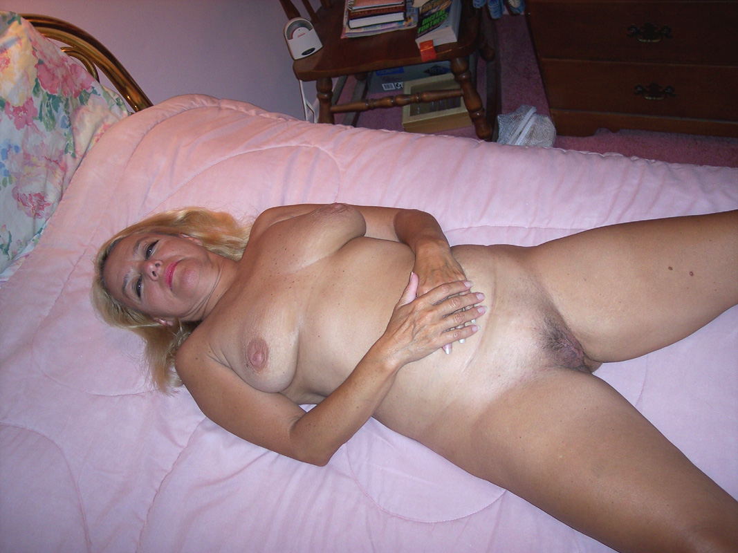 Real amateur homemade milf orgasm 3 8