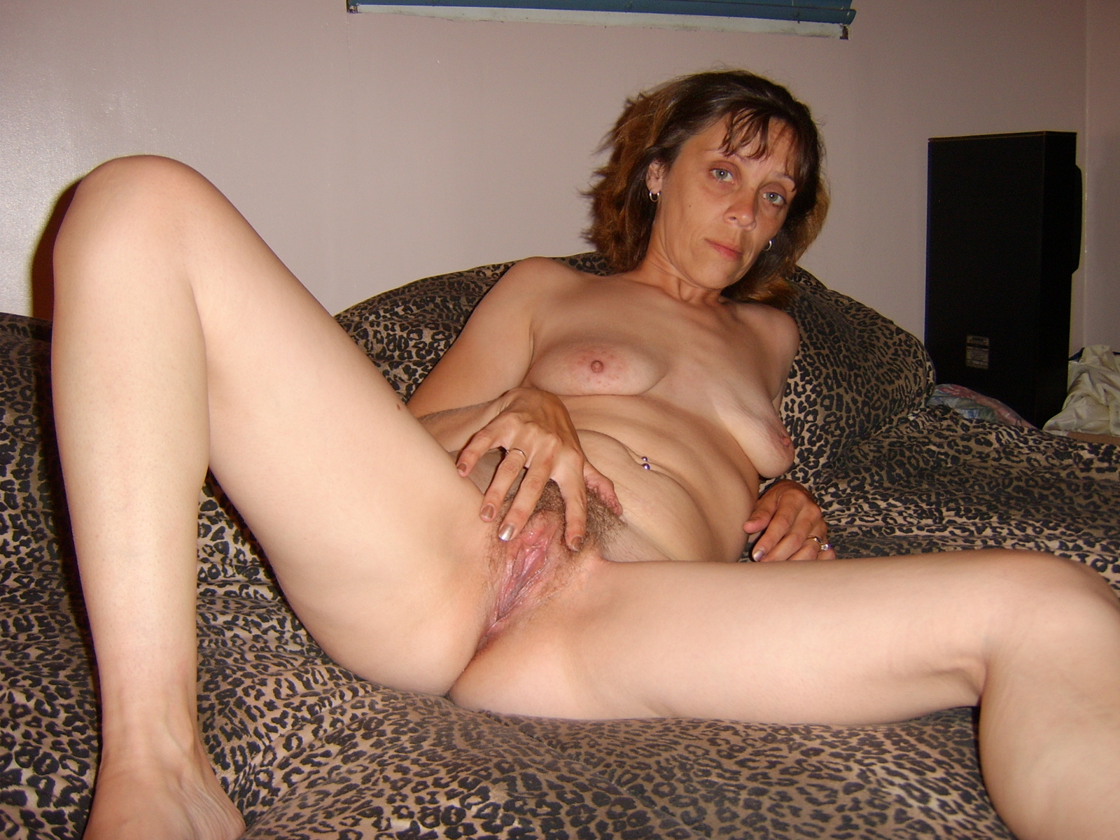 Husband films milf wife getting fucked