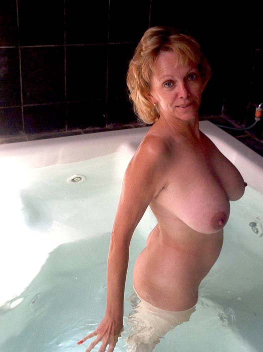 100 real amp uncensored milf pictures taken by ex boyfriends amp husbands