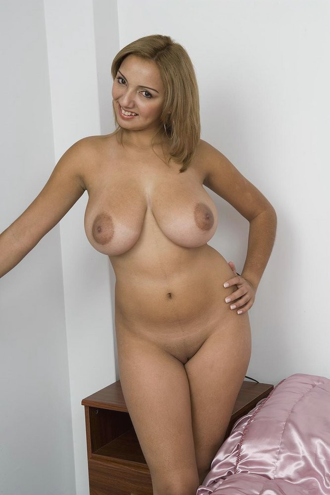 Naked Beauties - Nude photos of the most beautiful women ...