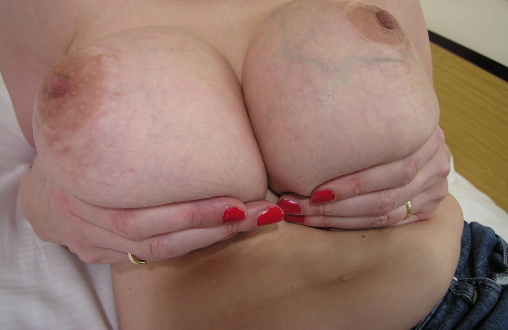 naked saxi gals photos
