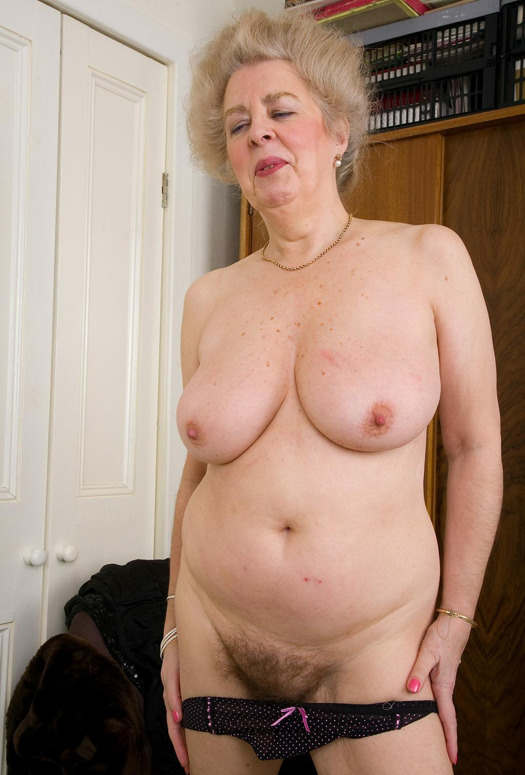Big chubby blonde milf and exploited 1