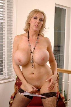 Beautiful Mature Teens Nude Lezbos 35