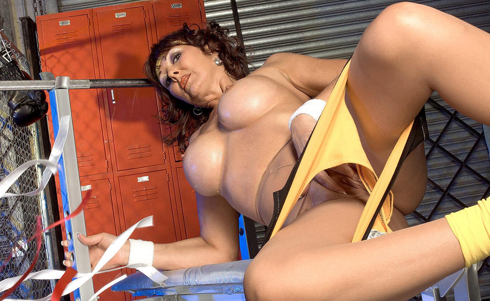 Loara croft naket porno video