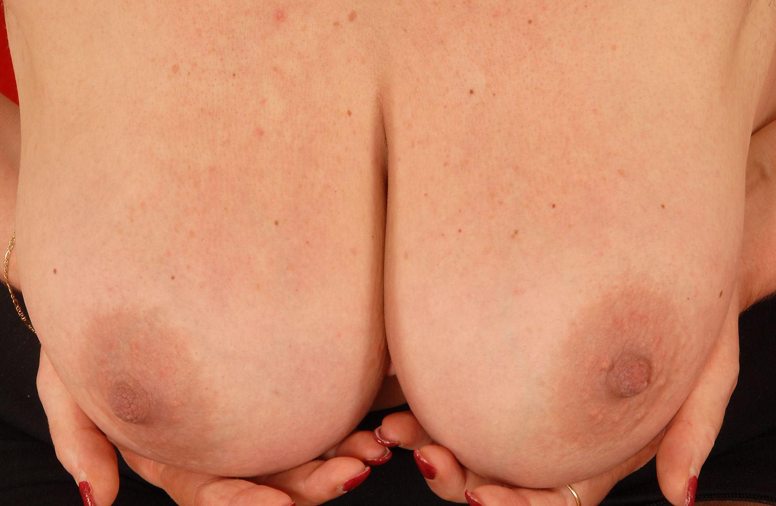 black sudsy tits