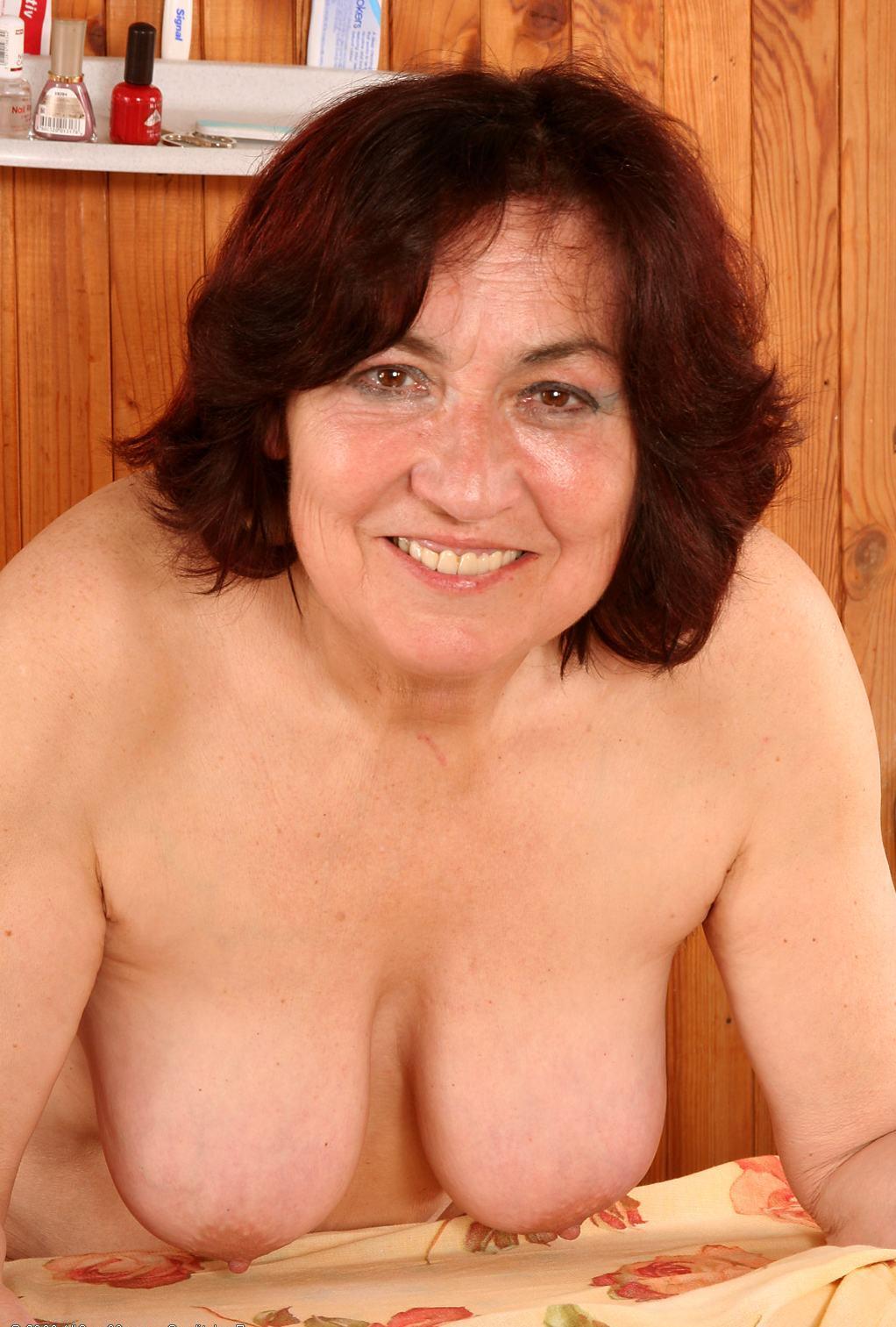 hidden cameras nude