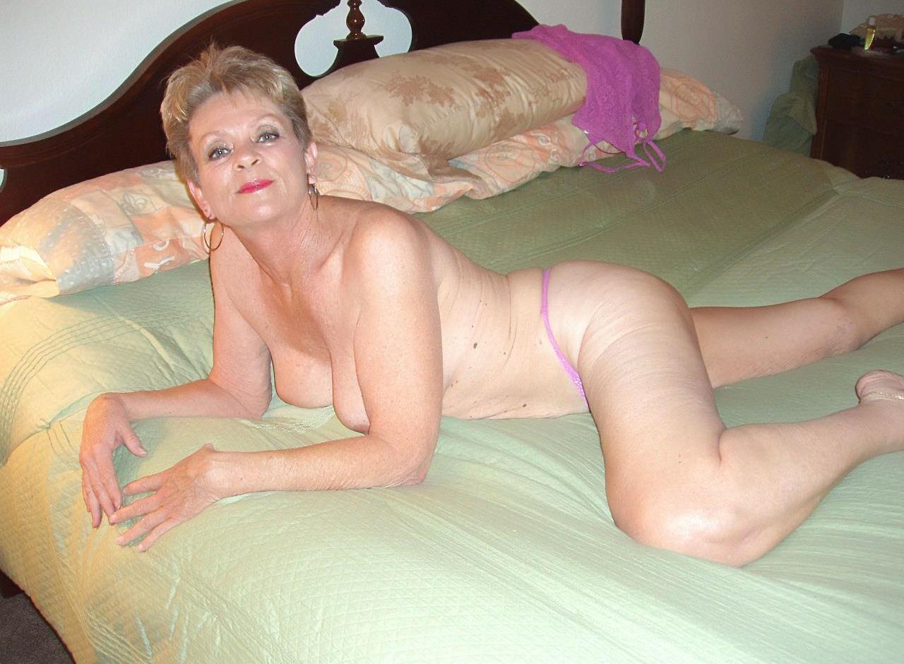 с старше знакомства секс женщинами