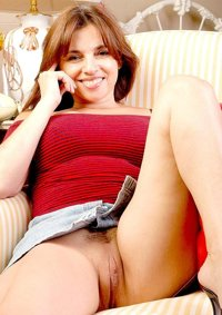 Mature hooters in pantie hose