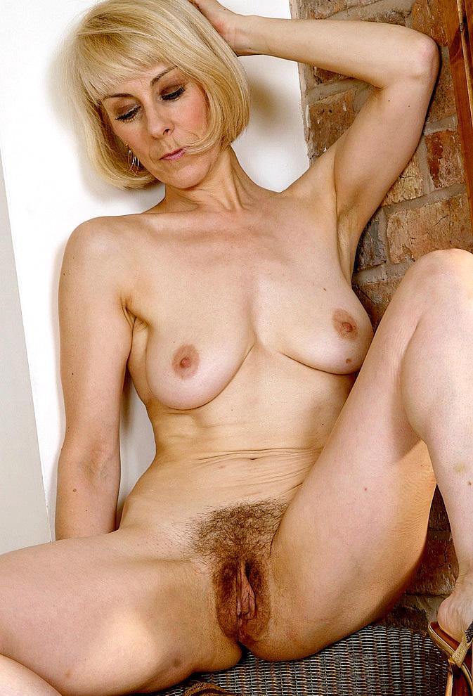 naked whitegirls big asses