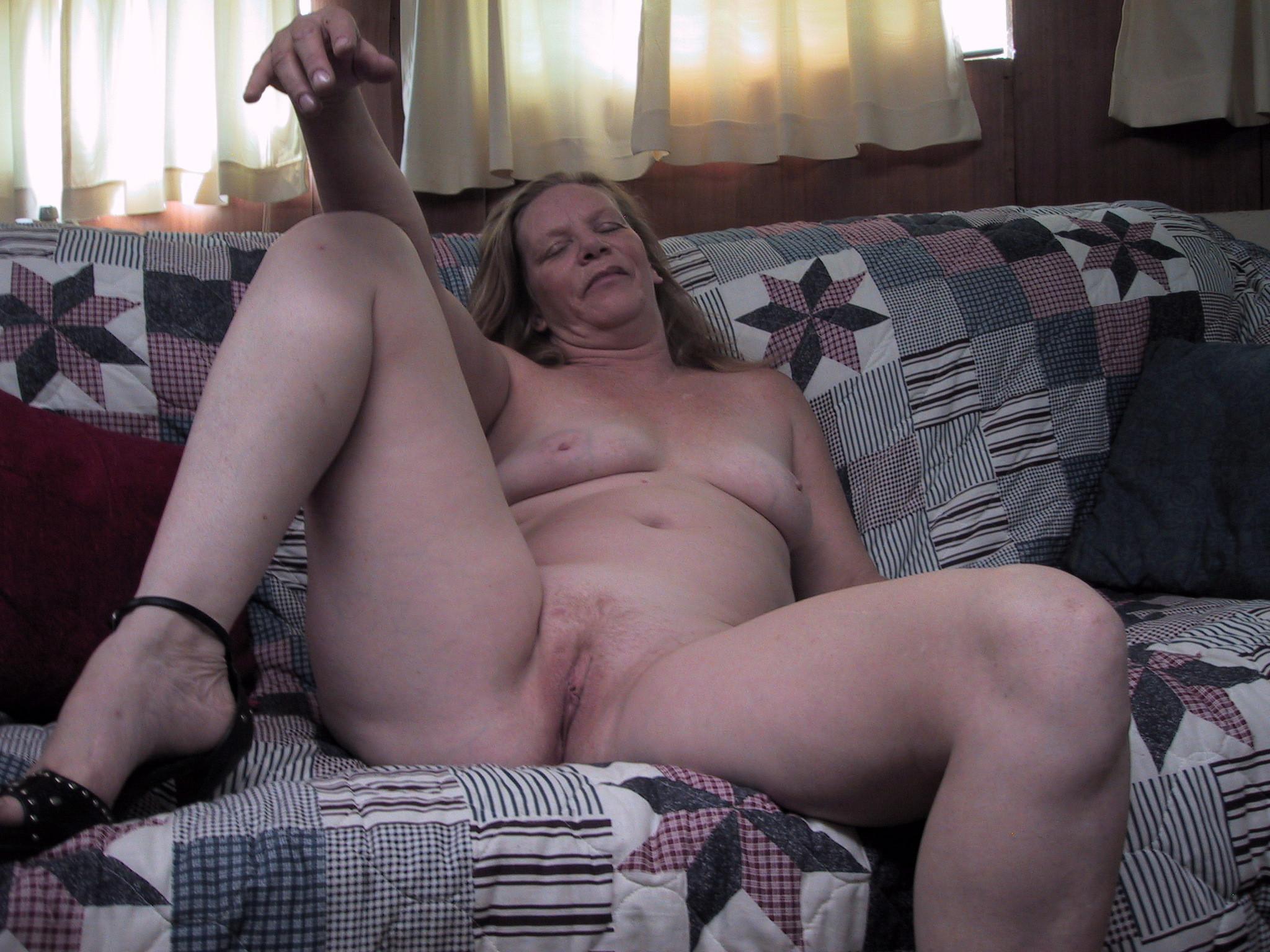hot nude cheerleaders boobs