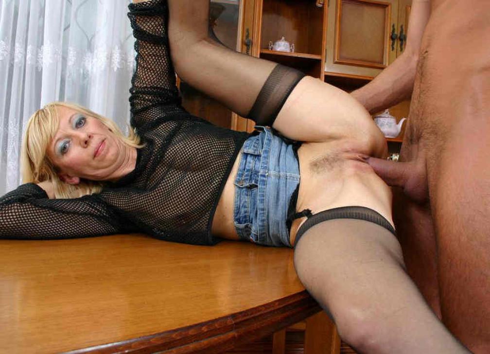 Порно фото молодые в чулках
