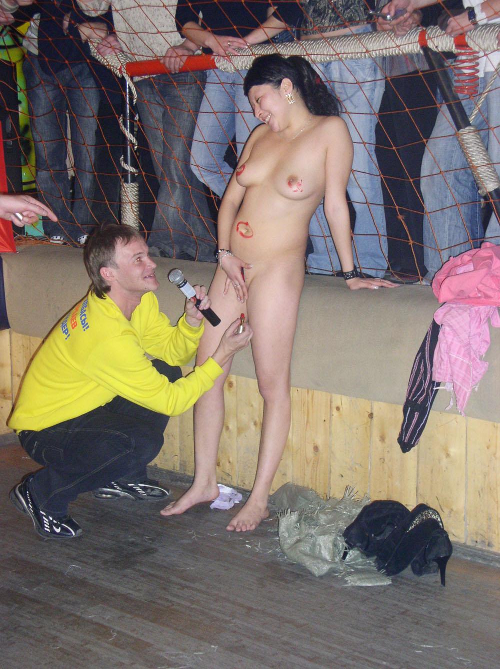 Сексуальный конкурс в клубе 16 фотография