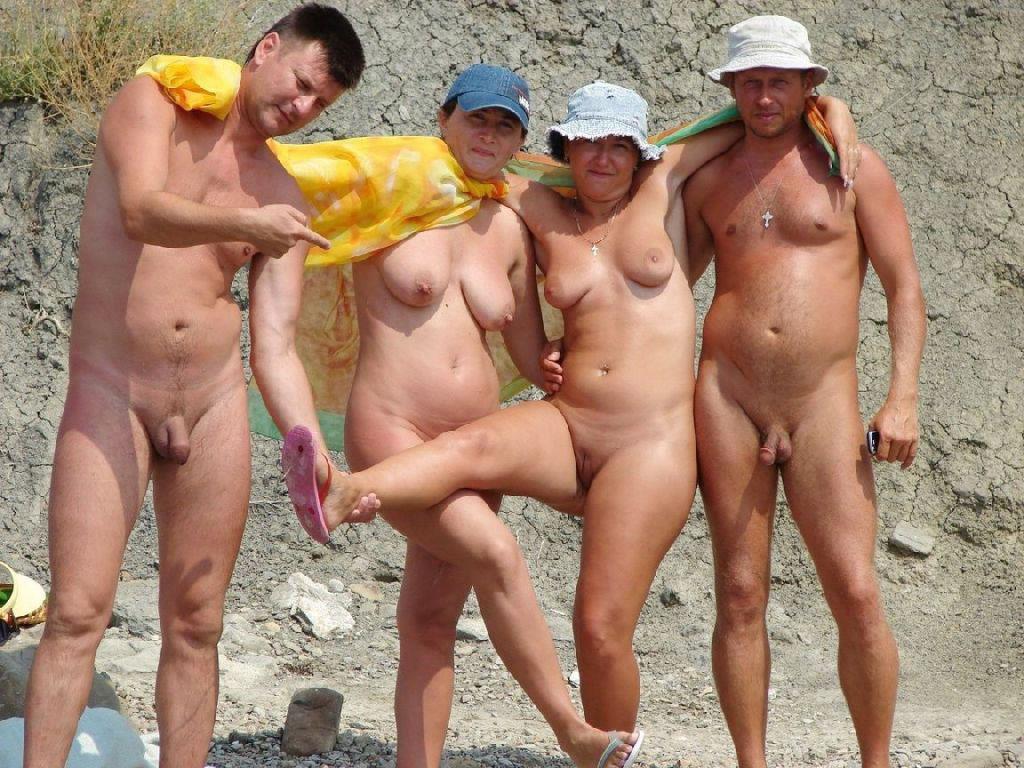 Фото нудистов бесплатное