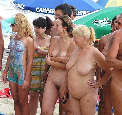 Nackte Gruppen Am Fkk Strand - nacktsonnencom