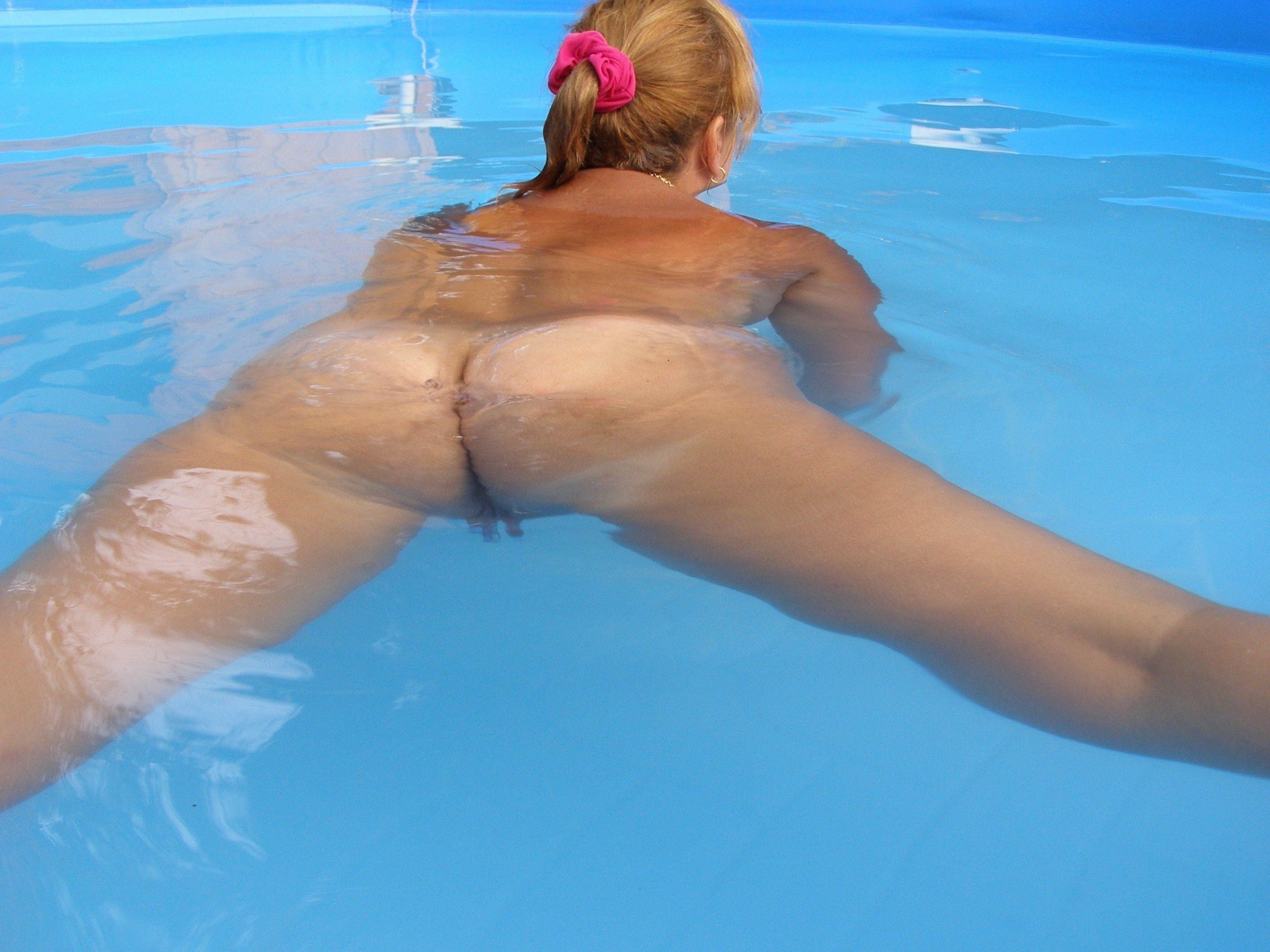 Hot nude adult swimming porno photos