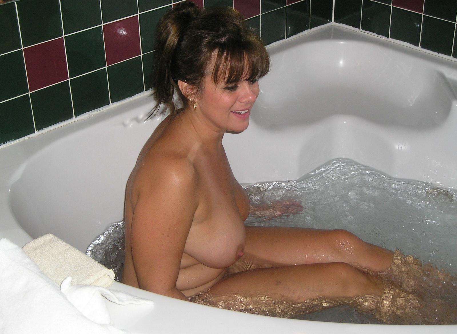Эротическое видео в ванне