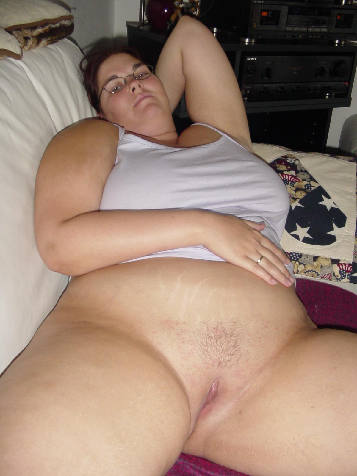 image Mom brunette single mom wants to feel she can still get her