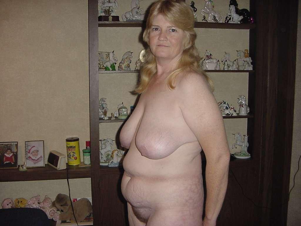 Amateur granny naked in public 1 8