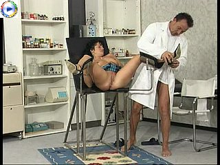 girl in gyno chair