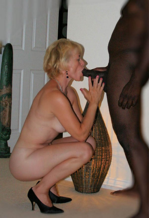 white girl sucking black dick
