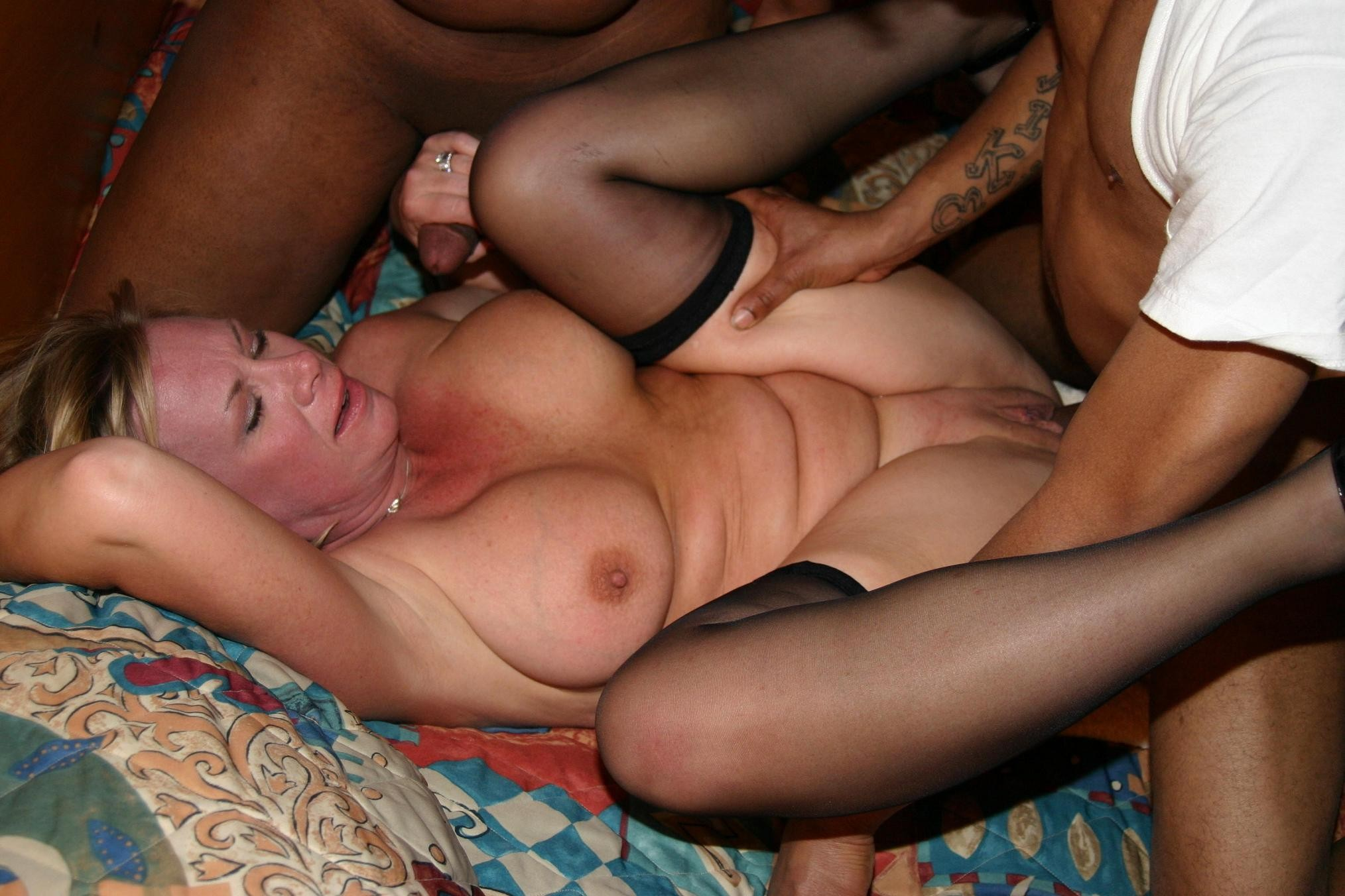 Amateur mature wife riding a tip for the 8