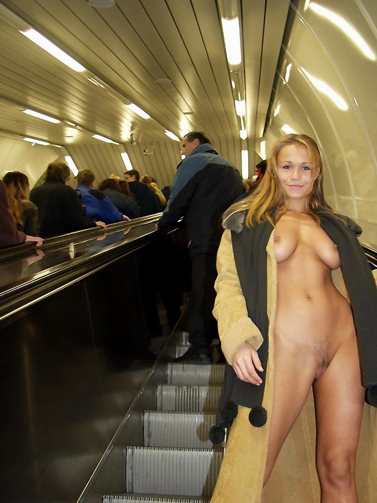 Публичный секс в транспорте 10 фотография